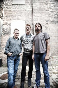 THEM CROOKED VULTURES - Foto: Dustin Rabin