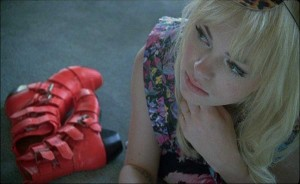 Uffie_Videostills_Pop_The_Glock