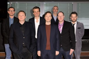 V.l.n.r. : Nico Gössel (Director Promotion); Markus Hartmann (Celsius Management); Philip Ginthör (CEO Sony Music Entertainment GSA);  Das Gezeichnete Ich; Willy Ehmann (Senior Vice President Domestic Division); Andreas Keul (Head of Epic); Patrick von Strenge (Director Marketing)