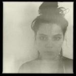 """SOKO – Französische Exzentrikerin brilliert mit außergewöhnlichem Debüt """"I Thought I Was An Alien"""""""