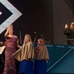 Der König und die Königin der Niederlande überraschen Armin van Buuren während seiner Live Performance mit ihrem Besuch