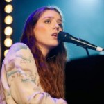 "Birdy gewinnt ECHO ""Künstlerin Rock/Pop International"""