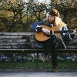 """STU LARSEN – Album-Debüt """"VAGABOND""""erscheint am 11.7."""