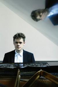 Benjamin Grosvenor - PHOTO CREDIT Decca/Sophie Wright
