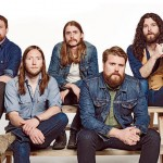 "The Sheepdogs – Bikergangs, Tattoos und eine Kneipenschlägerei im Video ""I'm Gonna Be Myself"""