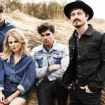 """The BossHoss überreichen The Common Linnets Gold-Auszeichnung für gemeinsame Hit-Single """"Jolene"""" in Holland"""