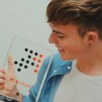 """MIKE SINGER stürmt mit """"KARMA"""" auf Platz 1 der Charts"""