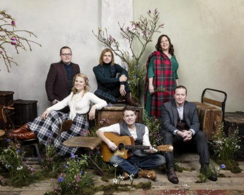 The Kelly Family  - PHOTO CREDIT Helen Sobiralski
