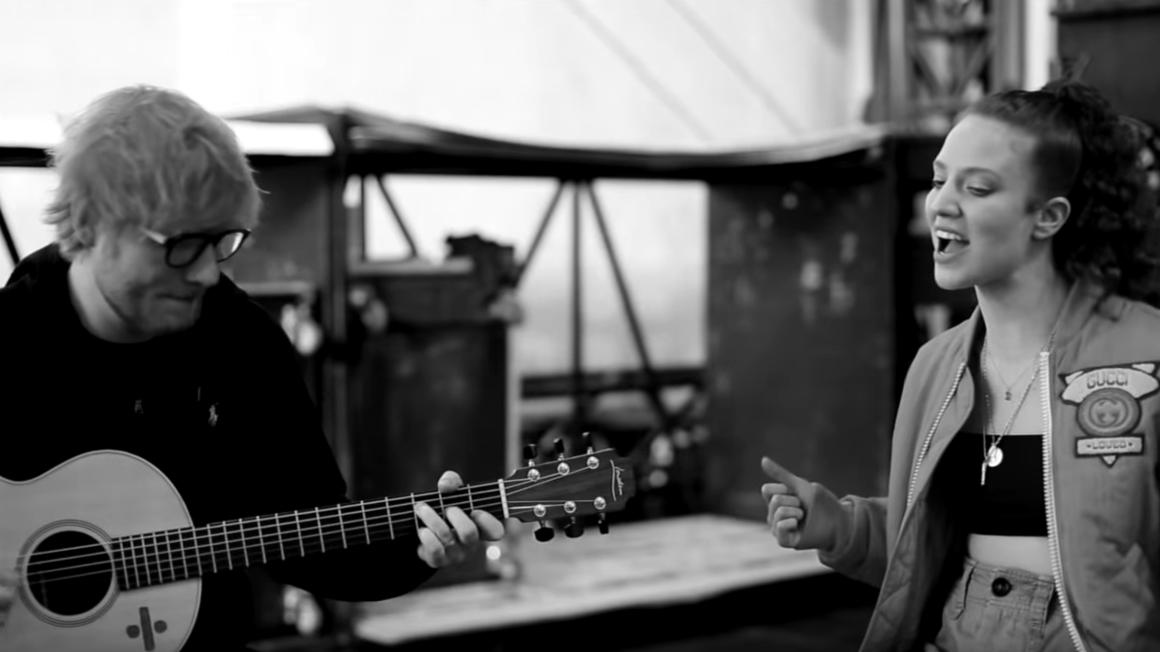 JESS GLYNNE performt mit ED SHEERAN